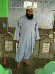 Shazad at Shah Waliullah's grave